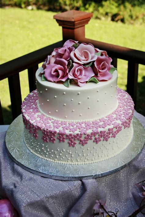 2 tier wedding cakes images